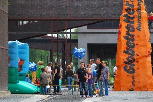 Garmin GPS-Festival auf Zollverein - Kinderklettern und HüŸpfburg - Bild: Garmin